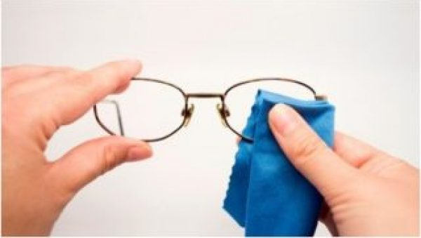 glasses cleaning